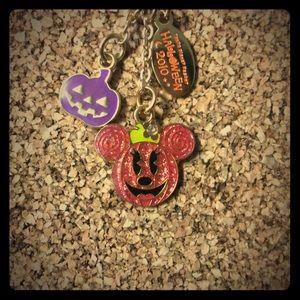 Disney Tokyo Halloween Minnie Key/Phone Charm 2010